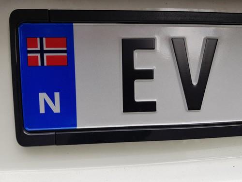 Bilde av elbilskilt